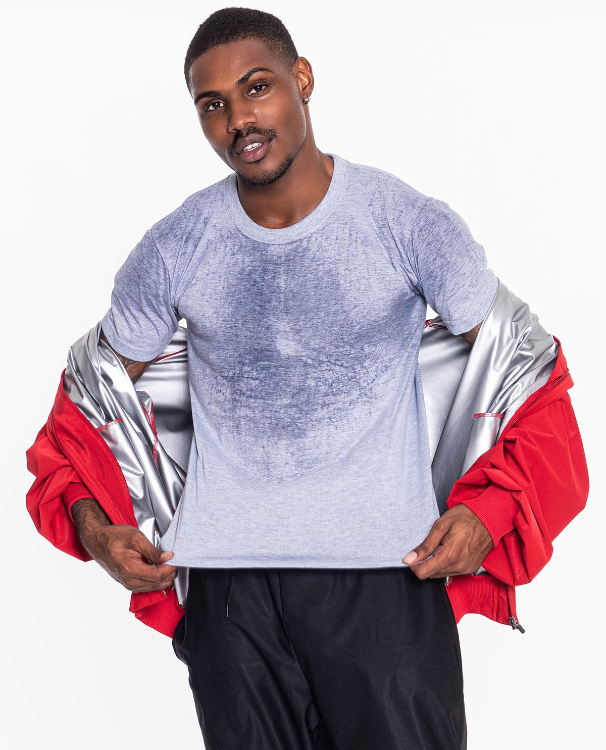 HIGH BREATHABILITY 투습률이 적용되어 피부가 호흡할 수 있게 도와주어 땀 배출이 시작될 때 답답함을 줄여줌 [기능성 핫슈트 착용의 체중감량과 에너지 소모량및 운동 효율성에 미치는 영향] 논문 발표와 함께 한국 스포츠 학회지에 체지방, 체중감소량, 칼로리 소비 증가 입증